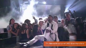 Singer Miguel lands on fan at Billboard Music Awards