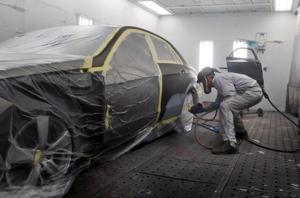 Webster crowd split on auto repair shop's bid to stay