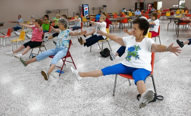 Chair yoga offers benefits of yoga life news from your for Chair yoga benefits