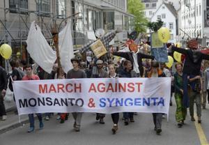 U.S. farm, consumer groups aim to block Monsanto bid for Syngenta
