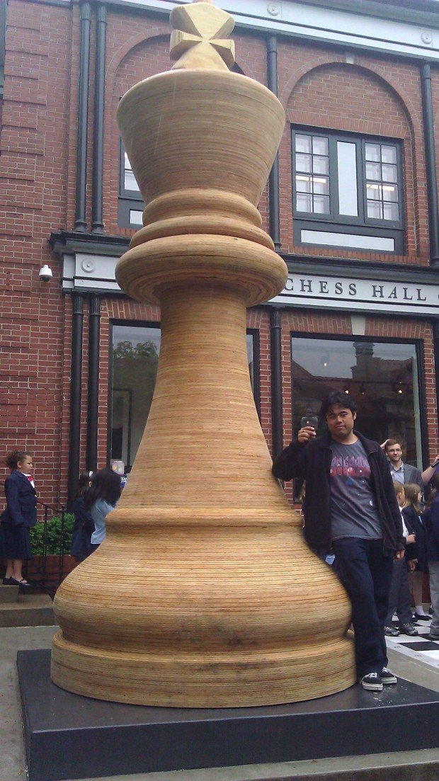 The world's largest chess piece is unveiled in St. Louis ...