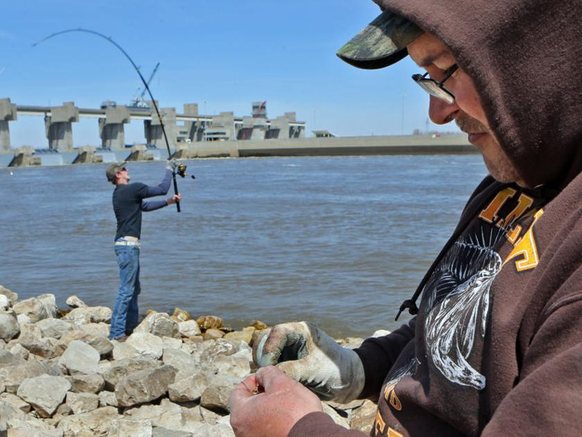 Anglers snag for giant fish in the mississippi that for T shirt printing st charles mo
