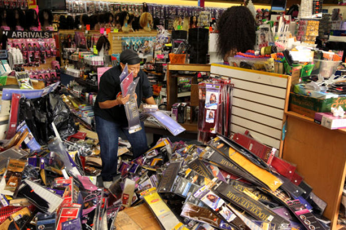 Smash and grab thieves hit two stores in st louis news for T shirt printing st charles mo