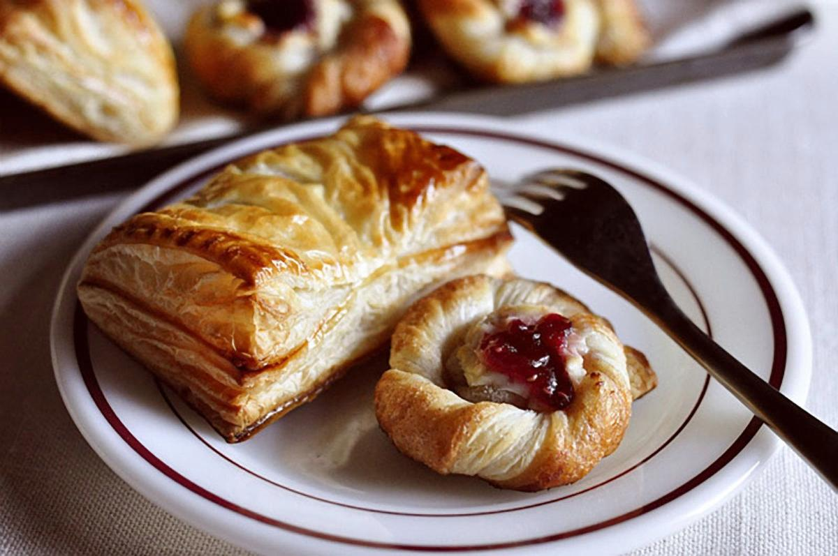 Spoil breakfast guests with sweet, savory pastries Food and