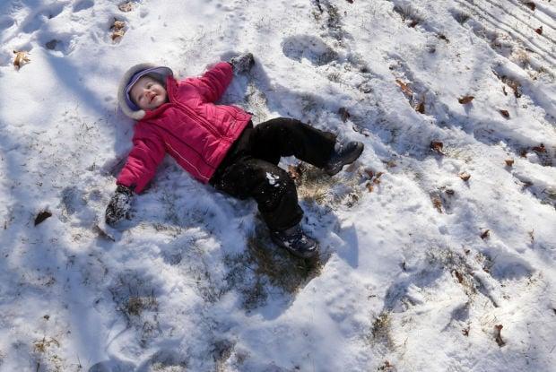 Snow, subzero cold descending on St. Louis region