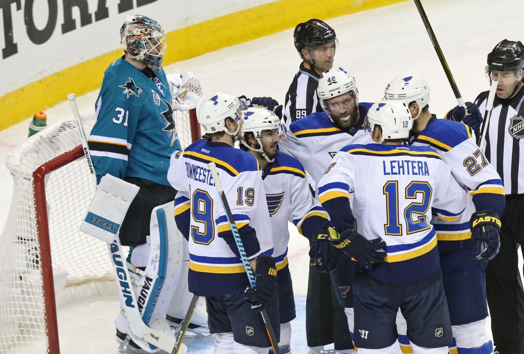 Blues bounce back with 6-3 win over Sharks