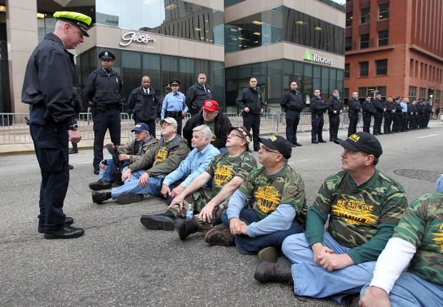 Ten UMWA members arrested during protest
