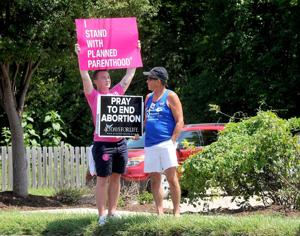 Judge temporarily blocks Missouri from pulling Planned Parenthood clinic's abortion license