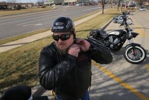 Motorcycle enthusiasts again trying to get Missouri's helmet law off the books