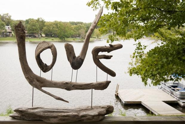 Artists create lakefront haven in Fenton