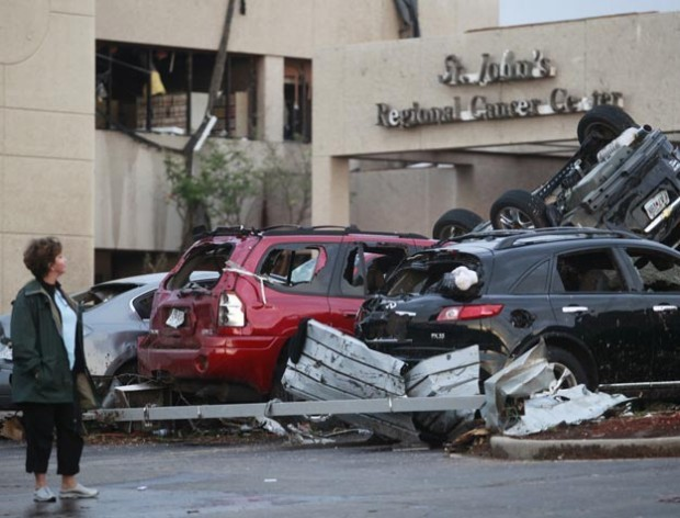 JOPLIN TORNADO toll climbs to 116; at least 4 killed at hospital