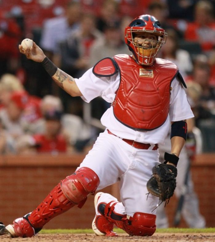Yadier Molina Catching 2013 The gallery for -->...