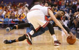 Timberwolves beat Bulls at Scottrade Center