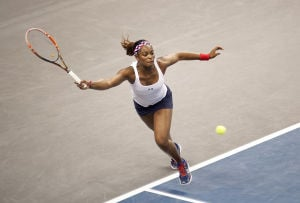 U.S., France tied 1-1 in Fed Cup