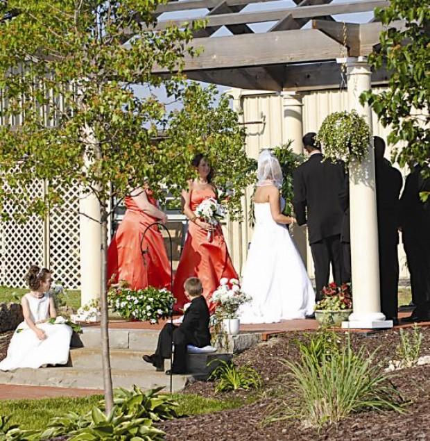 Business Gc Cuisine Crystal Garden Banquet Event Center St Louis 39 Best Bridal
