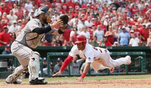 Cardinals edge Padres 2-1