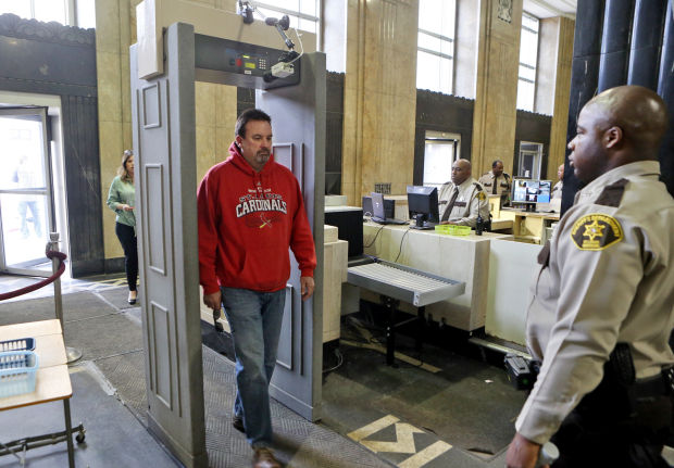 St Louis Courthouse Becomes Test Site For Facial