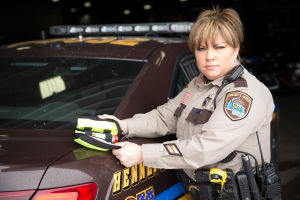 Hennepin County deputy administers Narcan at an emergency scene