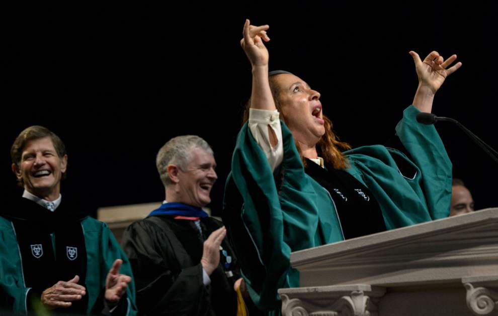 Maya Rudolph tells Tulane graduates to work hard and be nice to jerks _lowres