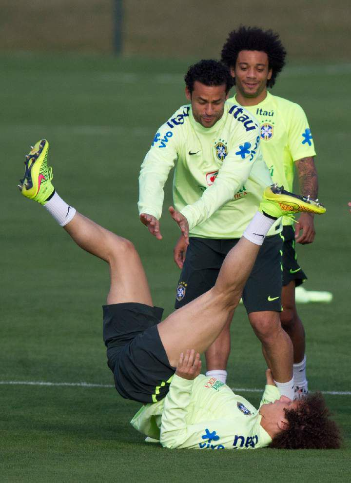Coach hints Willian to replace Neymar in semis _lowres
