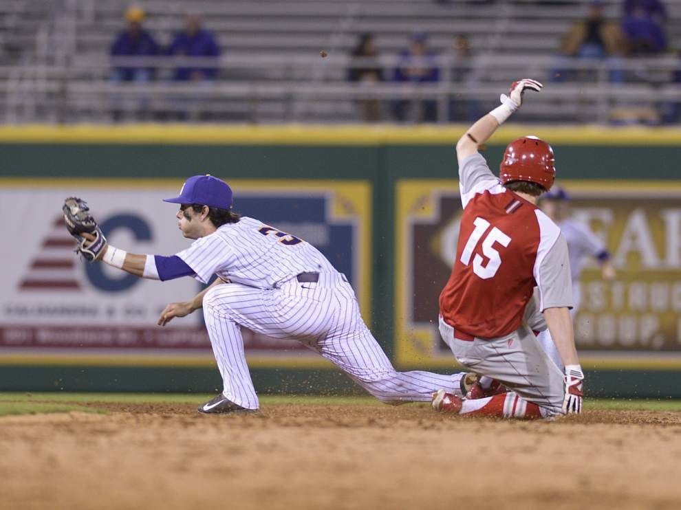 LSU baseball postgame: Tigers defeat Sacred Heart 8-1 _lowres