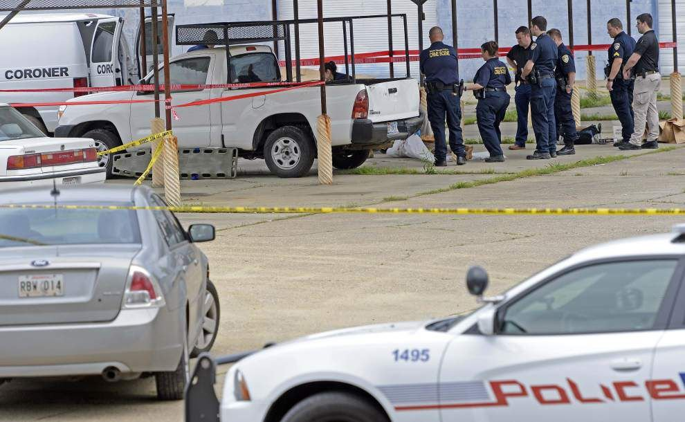 Woman's body found partially nude near Baton Rouge auto parts store; incident investigated as homicide _lowres