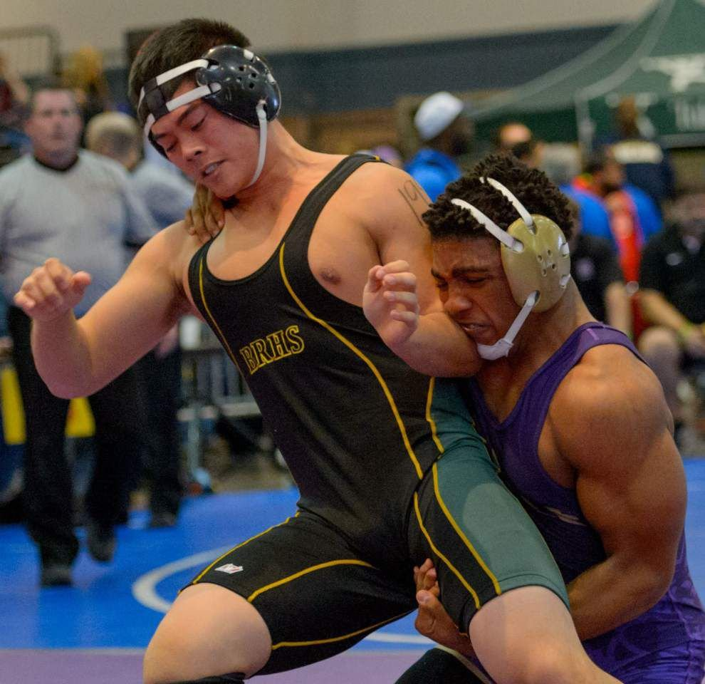 """Freakish athlete' Kendrick Jones makes things look easy on wrestling mat _lowres"