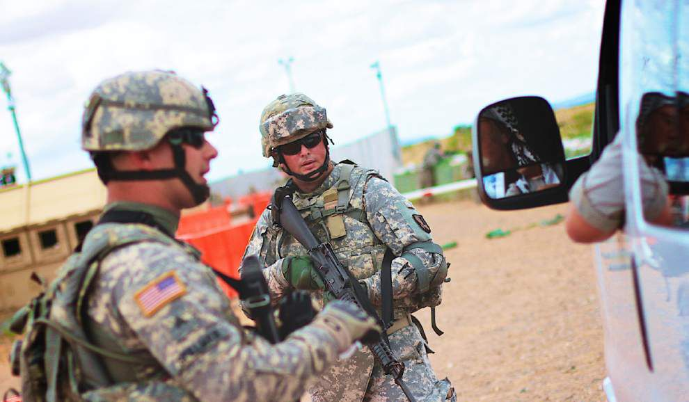 Soldier welcomed home for holidays _lowres