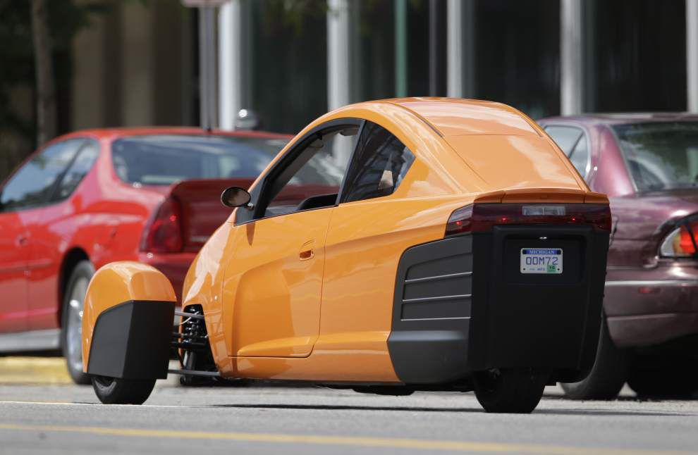 Three-wheeled Elio attracting reservations _lowres