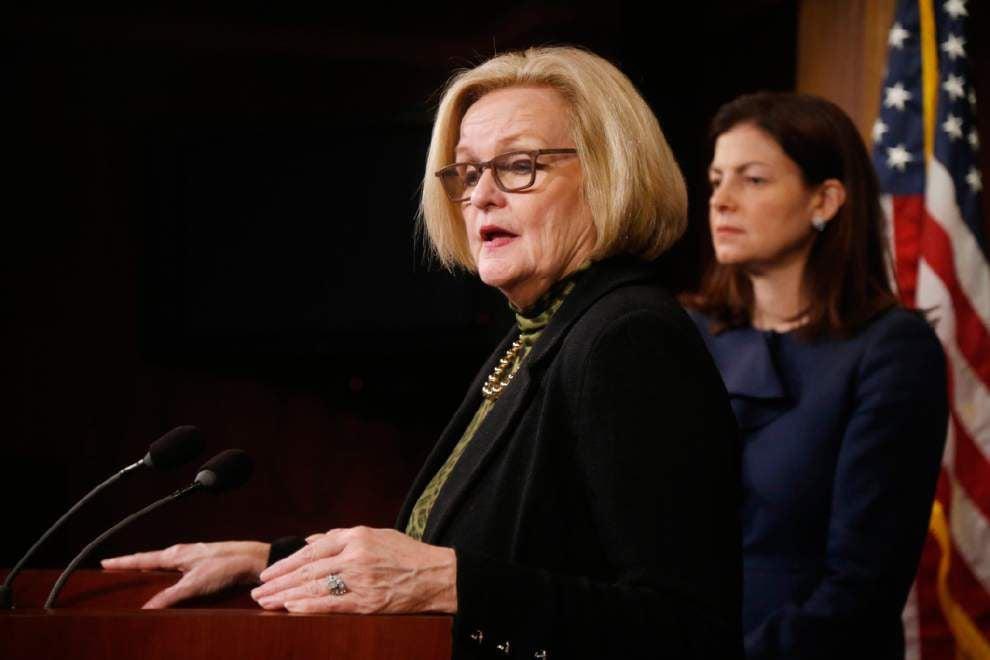 Senators rally behind military sexual assault bill _lowres