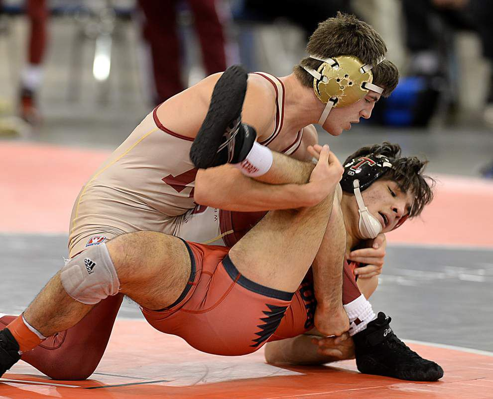 Brother Martin blitzes past Thompson to win Bayou Duals wrestling tournament _lowres