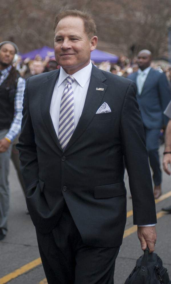 Reports say Michigan reaching out to LSU coach Les Miles _lowres