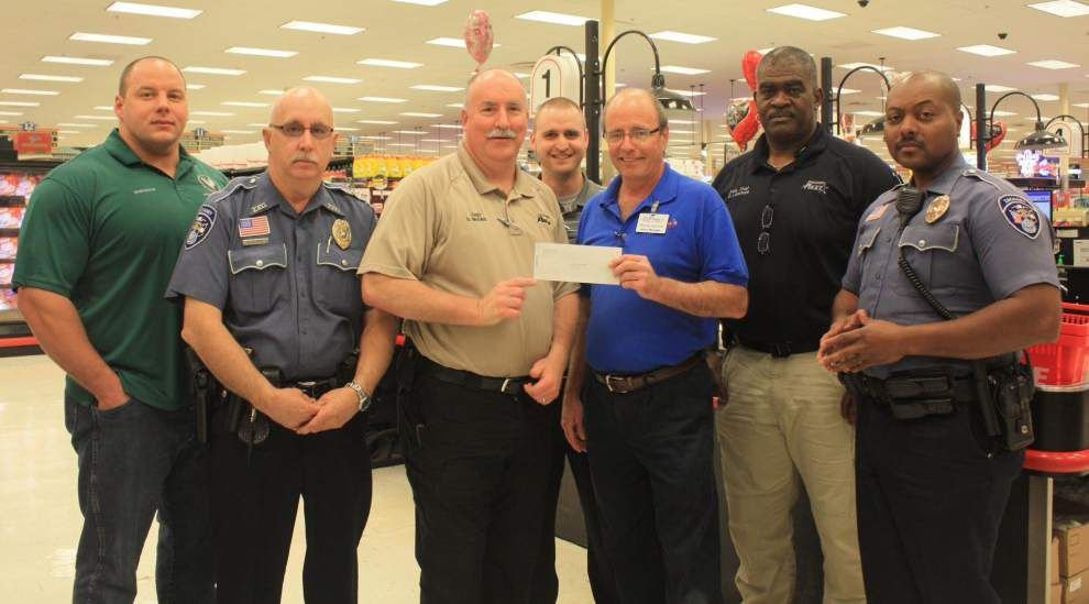 LeBlanc's Food Stores offers helping hand to police _lowres