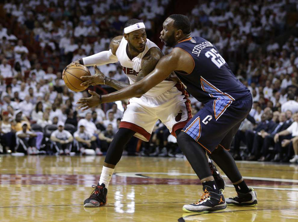 Heat, Rockets take 2-0 leads; Mavs even series with Spurs _lowres