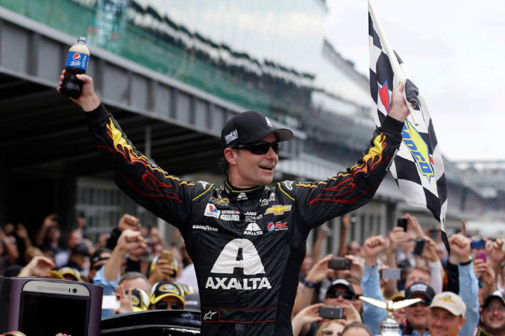 Jeff Gordon eyeing fifth title after big Brickyard win _lowres