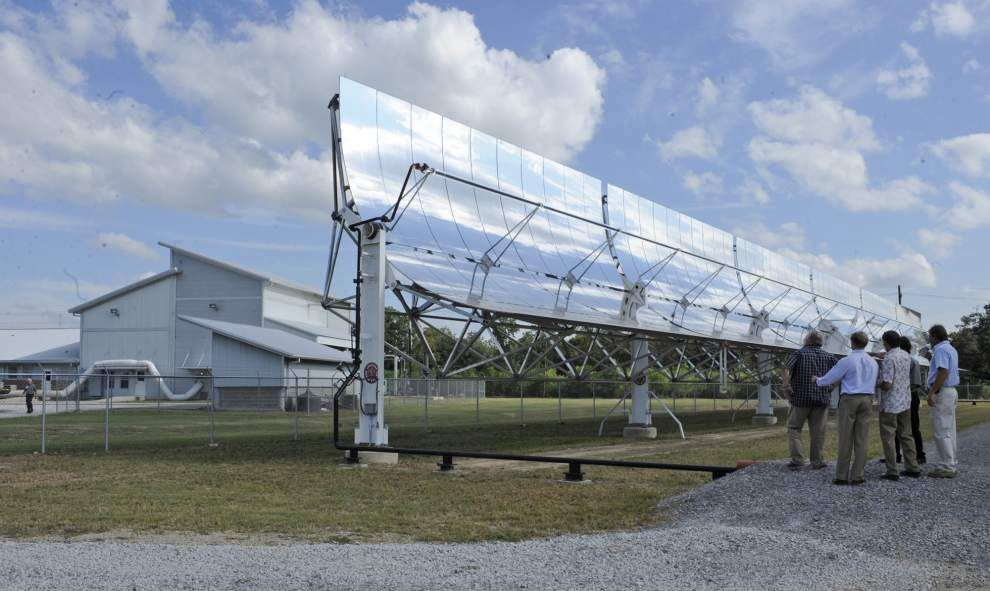 New alternative energy research center works to make power out of rice hulls, wood chips _lowres