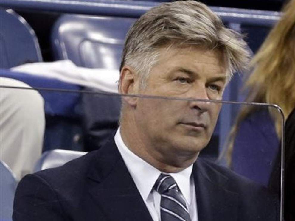 Actor Alec Baldwin snags stray ball at U.S. Open _lowres