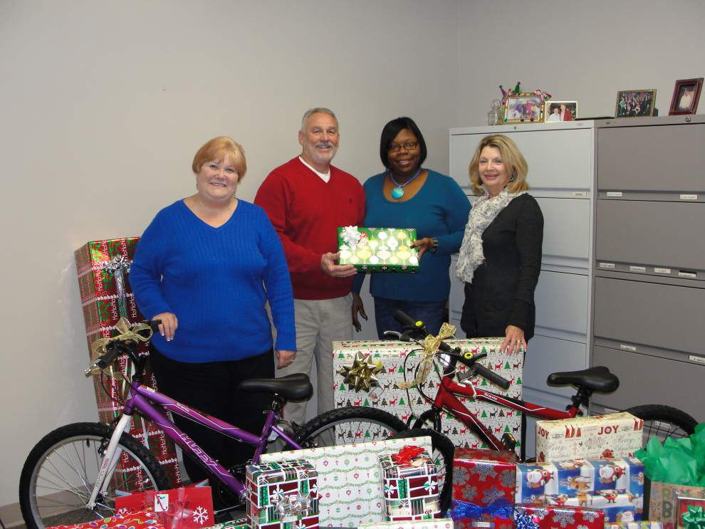 Tangipahoa assessor's office gives back for Christmas _lowres