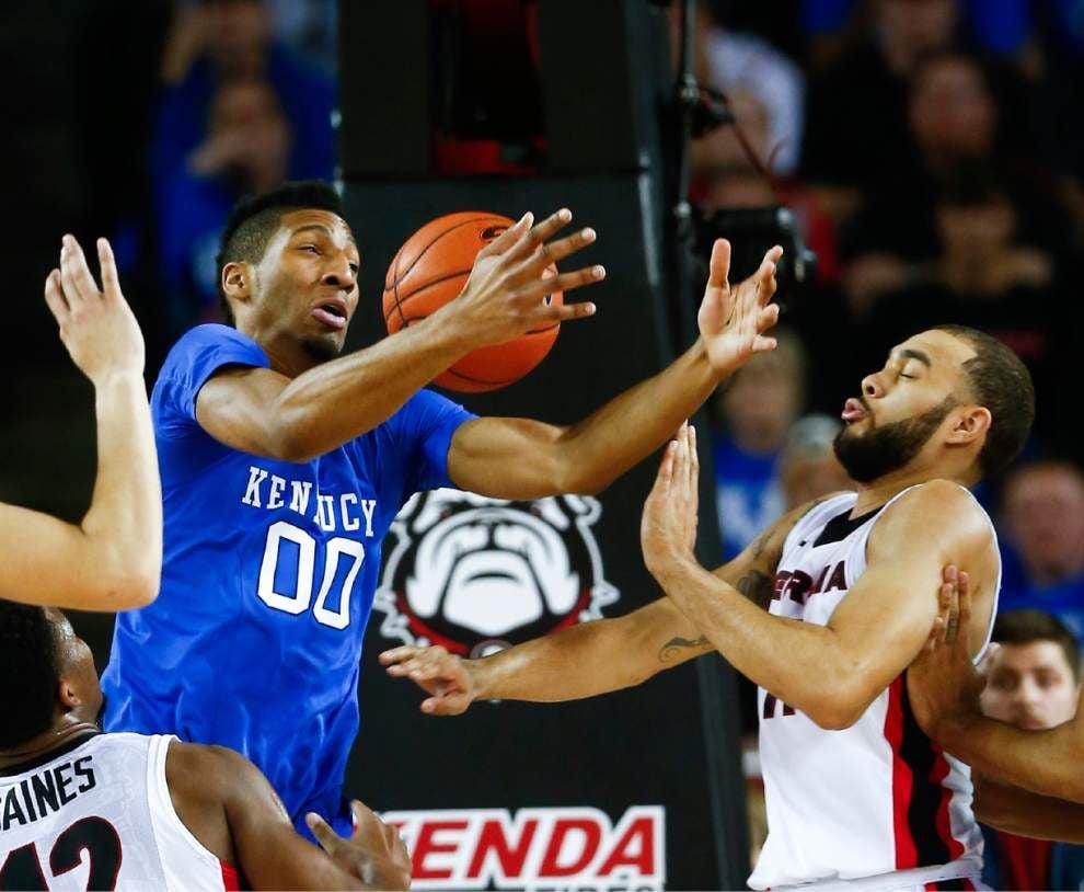 SEC roundup: Kentucky survives trip to Georgia, improves to 30-0 _lowres