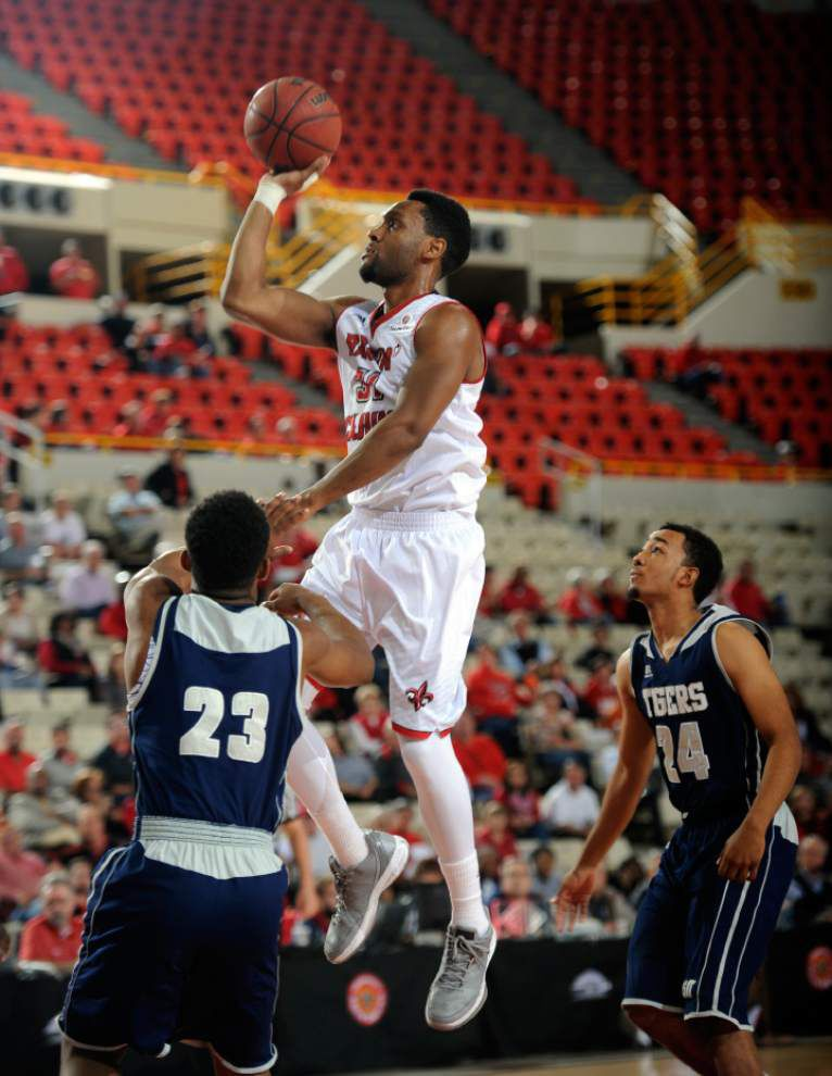 Quick-learning newcomers give Ragin' Cajuns a boost _lowres