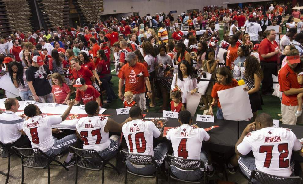 Thousands of Ragin' Cajuns turn out for Fan Day _lowres