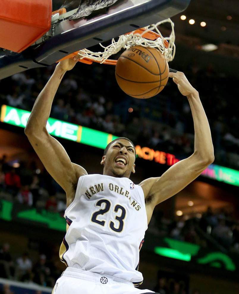 Move over LeBron, Anthony Davis can dunk too _lowres