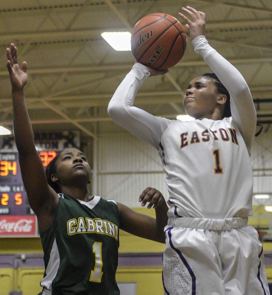 Shaquina Tobias' free throws spark Warren Easton over Cabrini _lowres