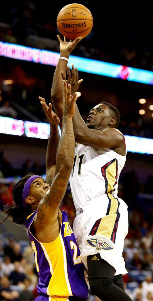 Pelicans' Jrue Holiday excels even as recovery continues _lowres