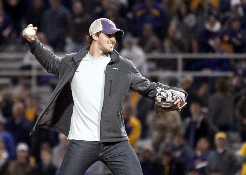Return of the long ball? Home run powers LSU past Kansas for season-opening win _lowres