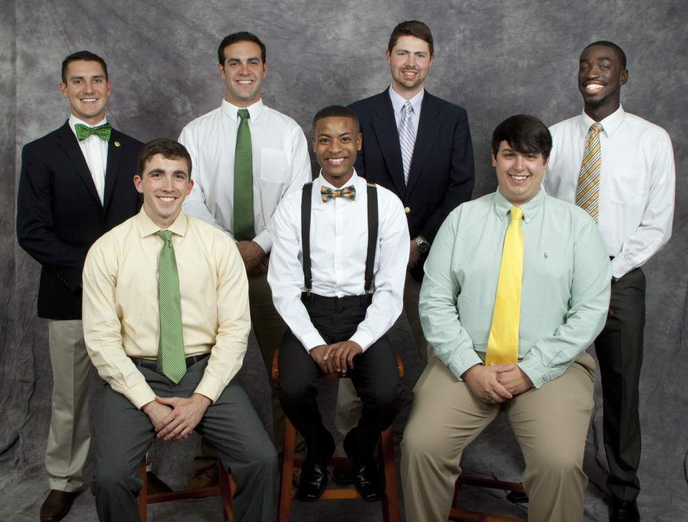 14 students reign over SLU homecoming week _lowres