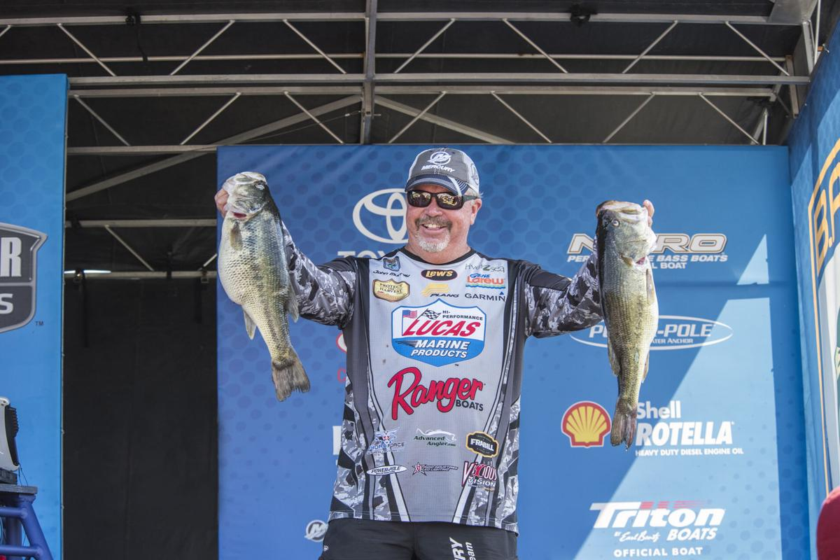 Art to go with Bassmaster Elite series story for April 13, 2017