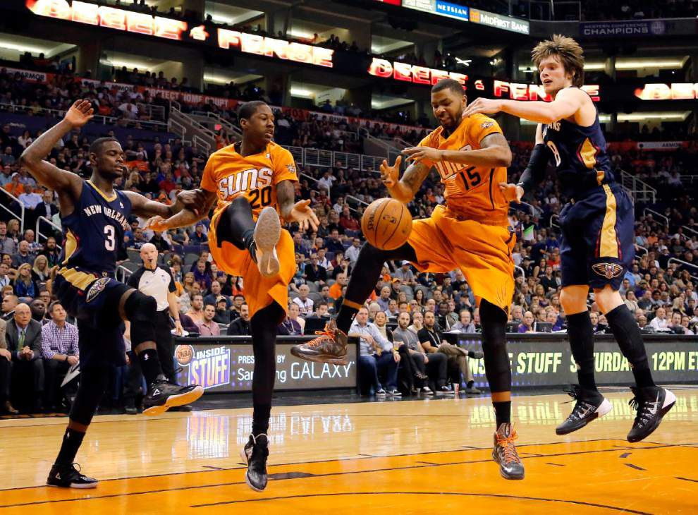 Dragic, Suns topple Pelicans _lowres