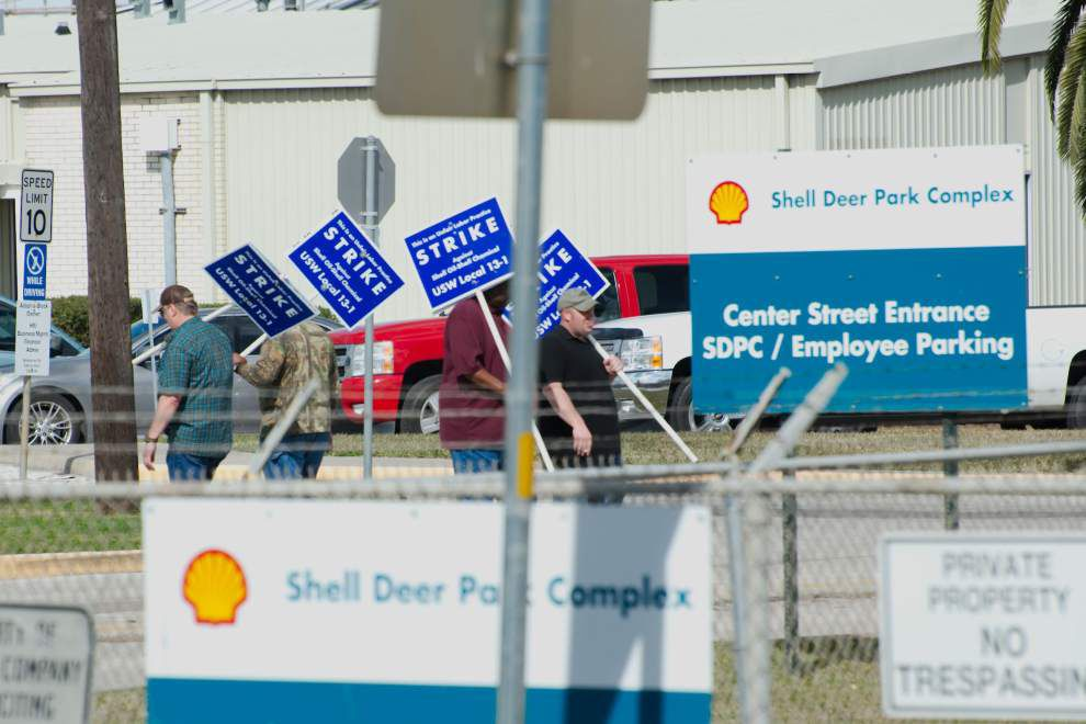Louisiana refineries not affected by strike plans at nine facilities _lowres