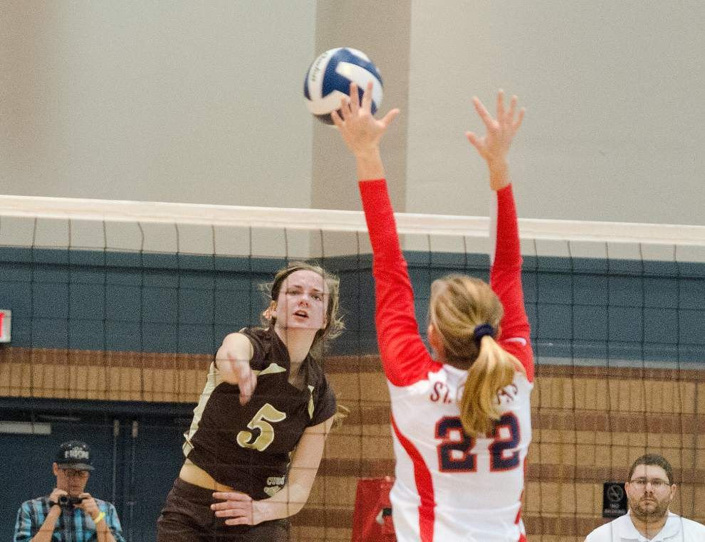 Mount Carmel surprises St. Joseph's with a 3-0 sweep in the volleyball state title game _lowres